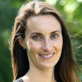 Katie Davis Headshot