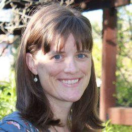Leslie Atkins Elliott headshot