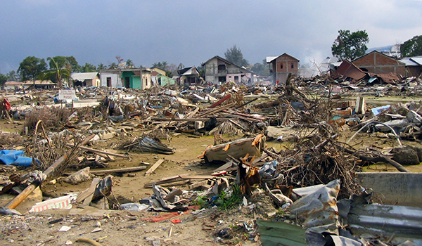 the aftermath of earthquake destroyed homes and lives