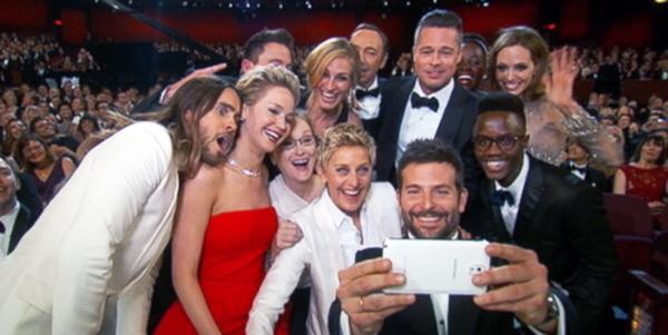 Ellen DeGeneres famous celebrity group oscars selfie